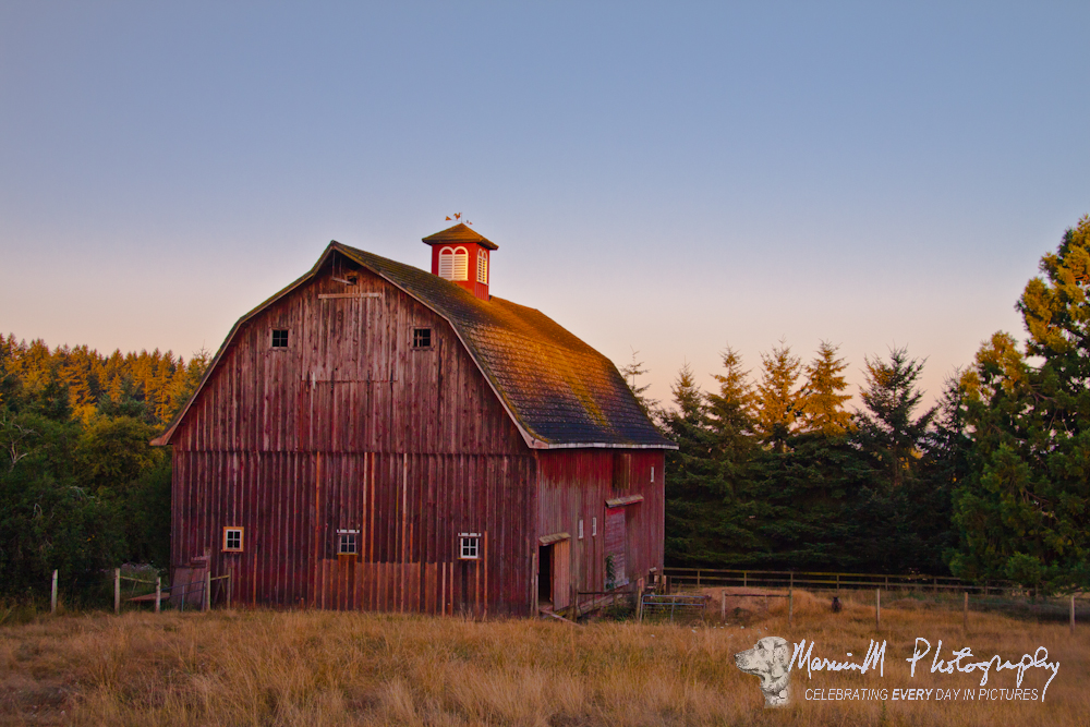 English gambrel marvinm photoworks Gambrel style barns